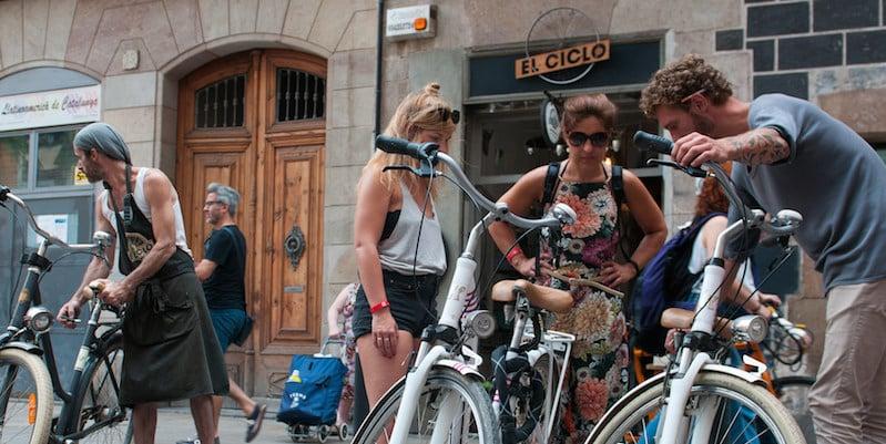 Fietsen verstellen bij fietsenzaak El Ciclo Barcelona