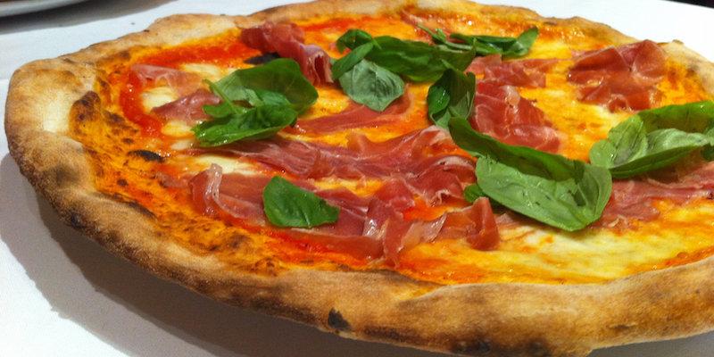 pizza eten in Barcelona