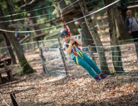 klauteren in bomenklimpark Parco Aventura il Gigante