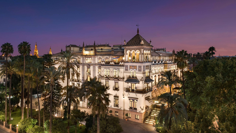 Sevilla_Hotel_AlfonsoXIII_dit_hotel_is_op_zich_al_een_bezoek_aan_Sevilla_waard